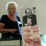 Voorzitter Ineke van Gent leest het juryrapport voor