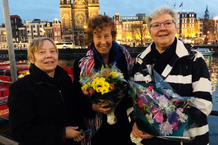 Jurylid Els Veenis met Annemiek Onstenk en Marleen de Waal