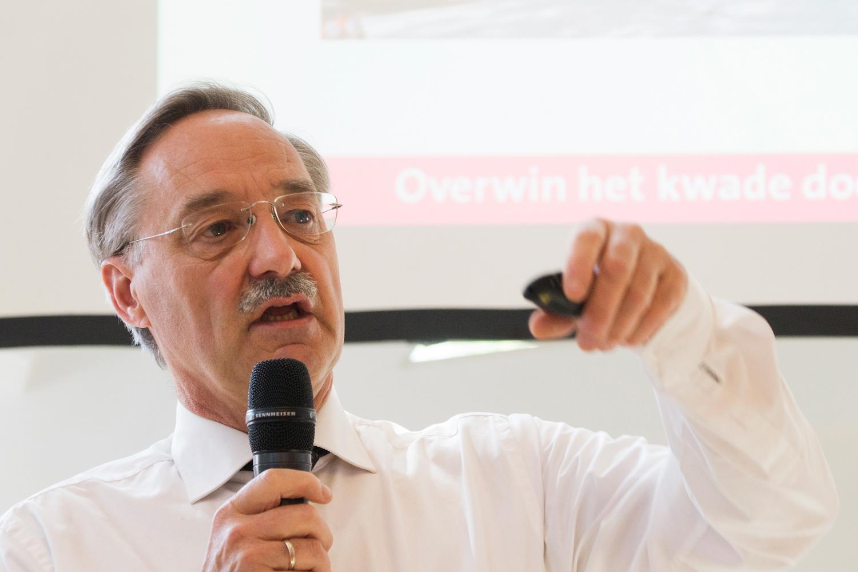 Dick Couvee, predikant van de Pauluskerk, vertelt over armoede in Rotterdam